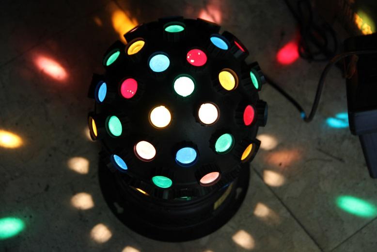 魔球燈出租 - 電話: 0923164665 舞台效果器材