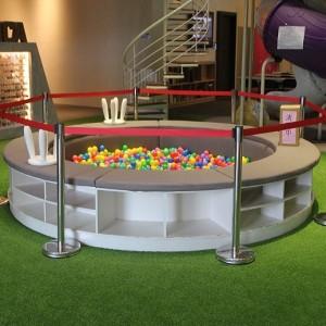 總太美樂地 兒童遊戲區保護 紅龍伸縮圍欄出租運送 (8)