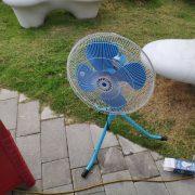 亞太電信 水湳愛買 白色3米帳 摺疊桌 塑膠椅 電風扇 出租運送 (2)