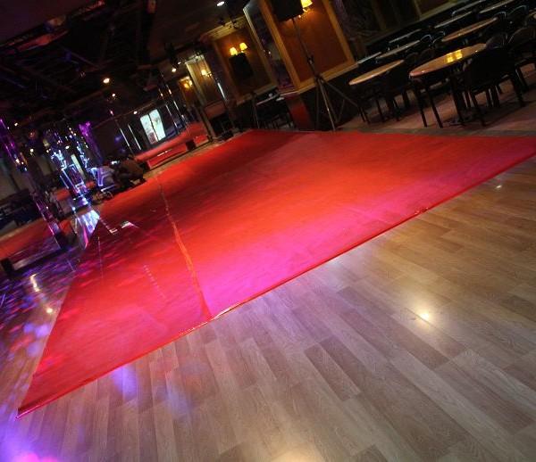 中華大舞廳 新春第一DJ趴 紅地毯鋪設