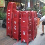 吳禎耀競選活動 紅色塑膠椅出租運送 (3)