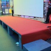 閃電狼LMS決賽 高雄直播派對 舞台面紅地毯鋪設