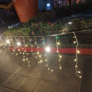 金典綠園道商場 聖誕活動 騎樓 走道佈置用 冰條燈 串燈 月租施工 (12)