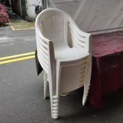 創趣DIY開幕活動 白色塑膠靠背椅 (1)