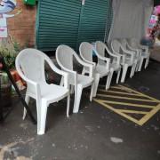 創趣DIY開幕活動 白色塑膠靠背椅 (2)