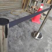 黑帶白柱 伸縮圍欄出租運送 (2)