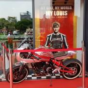 LOUIS重機部品連鎖店開幕活動 紅龍伸縮圍欄 迎賓柱 剪綵用具 出租 (2)