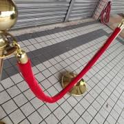 金柱紅繩 掛繩紅龍柱 迎賓柱 掛繩柱 出租運送 (5)