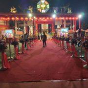 龍華靜修院 觀音菩薩出家紀念日 走道兩側圍欄用 紅龍柱 出租運送 (5)