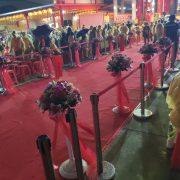 龍華靜修院 觀音菩薩出家紀念日 走道入口兩側用 紅龍柱 出租運送 (22)